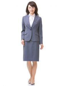 転職面接で女性が着るのに最適なスーツ